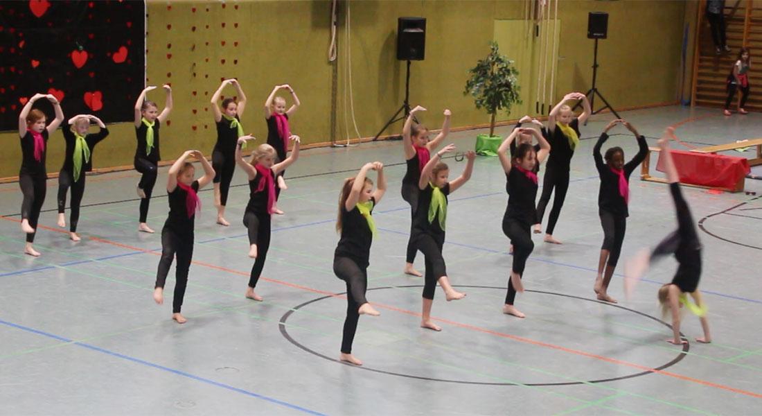 dancingkids_02